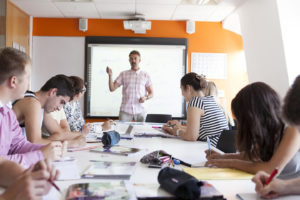 Read more about the article İleri Seviye Almanca Eğitimi