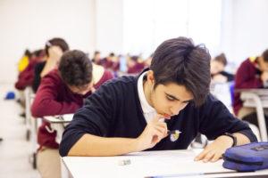 Read more about the article Akademik Sınavlara Hazırlık Nasıl Olmalıdır?